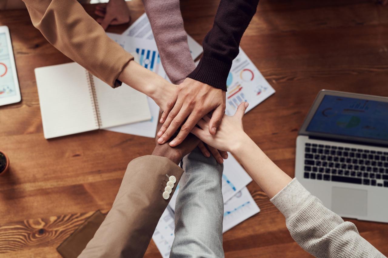 PUCE firma convenios que favorecerán la formación en el ámbito de la economía popular y solidaria