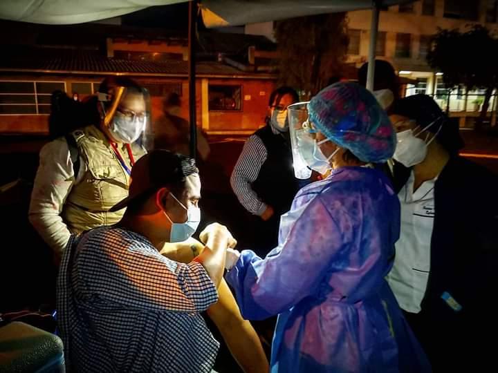 La PUCE es parte del Plan Nacional de Vacunación